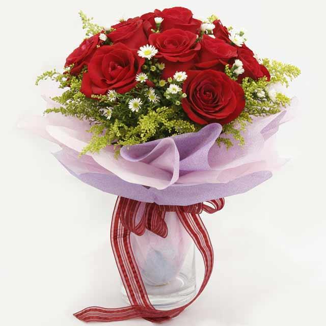 Çiçek gönderme estetikliginiz 11 gül buket  İsparta çiçekçi mağazası