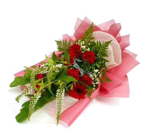 Karisik çiçek buketi mevsim buket  İsparta çiçek siparişi sitesi