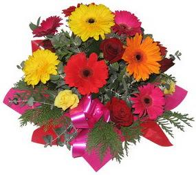 Karisik mevsim çiçeklerinden buket  İsparta hediye sevgilime hediye çiçek