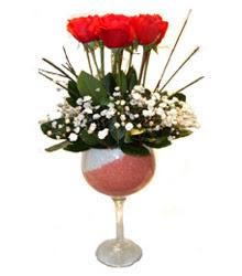 İsparta çiçekçiler  cam kadeh içinde 7 adet kirmizi gül çiçek