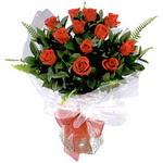 İsparta çiçek , çiçekçi , çiçekçilik  9 adet güzel bir gül buketi