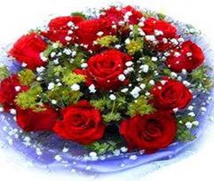9 adet kirmizi güllerden buket  İsparta çiçekçi telefonları