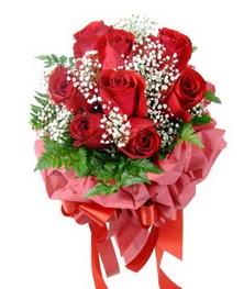9 adet en kaliteli gülden kirmizi buket  İsparta çiçek servisi , çiçekçi adresleri