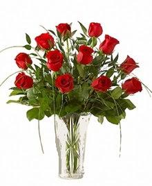 cam yada mika vazo içerisinde 9 kirmizi gül  İsparta çiçek siparişi sitesi
