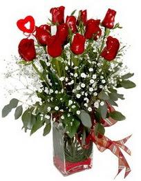 İsparta çiçek siparişi vermek  9 adet mika yada cam vazoda gül tanzimi kalp çubuk