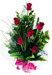 İsparta güvenli kaliteli hızlı çiçek  5 adet kirmizi gül buketi hediye ürünü