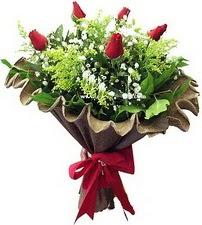 İsparta online çiçek gönderme sipariş  5 adet kirmizi gül buketi demeti