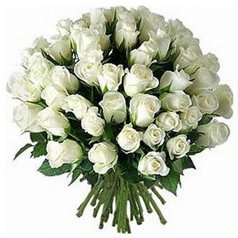 İsparta çiçek servisi , çiçekçi adresleri  33 adet beyaz gül buketi