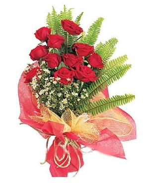 İsparta İnternetten çiçek siparişi  11 adet kırmızı güllerden buket modeli