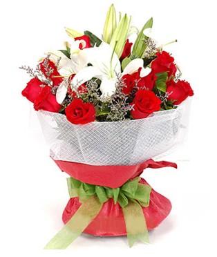 İsparta hediye çiçek yolla  1 dal kazablanka 11 adet kırmızı gül buketi