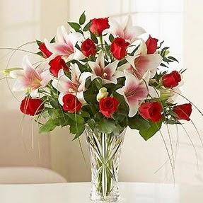 İsparta çiçek mağazası , çiçekçi adresleri  12 adet kırmızı gül 1 dal kazablanka çiçeği