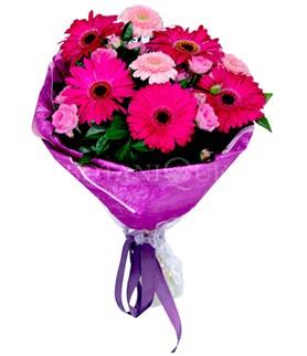 İsparta çiçek siparişi sitesi  karışık gerbera çiçeği buketi