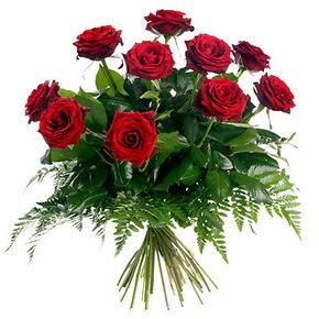 İsparta çiçek gönderme  10 adet kırmızı gülden buket