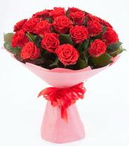12 adet kırmızı gül buketi  İsparta çiçek siparişi sitesi