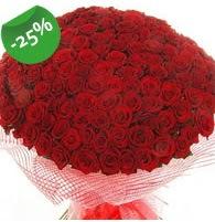 151 adet sevdiğime özel kırmızı gül buketi  İsparta çiçek siparişi sitesi