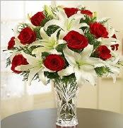 12 adet kırmızı gül 2 dal kazablanka vazosu  İsparta çiçek satışı