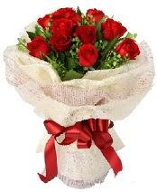 12 adet kırmızı gül buketi  İsparta anneler günü çiçek yolla