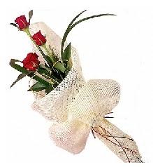3 adet kırmızı gül buketi  İsparta güvenli kaliteli hızlı çiçek
