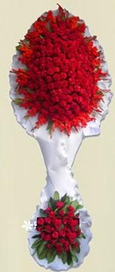 Çift katlı kıpkırmızı düğün açılış çiçeği  İsparta anneler günü çiçek yolla