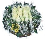 İsparta çiçekçiler  Beyaz harika bir gül sepeti