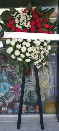 Cenaze çiçeği cenaze çiçek modelleri  İsparta çiçek siparişi sitesi