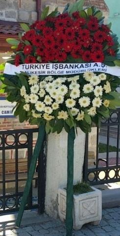 Cenaze çiçek modeli  İsparta hediye sevgilime hediye çiçek