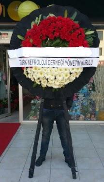 Cenaze çiçek modeli  İsparta çiçek siparişi sitesi