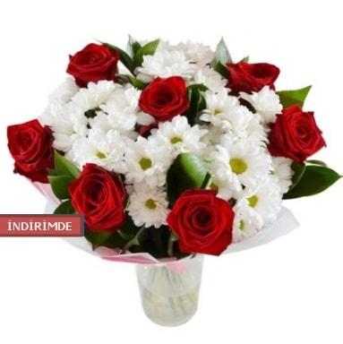 7 kırmızı gül ve 1 demet krizantem  İsparta çiçek gönderme sitemiz güvenlidir